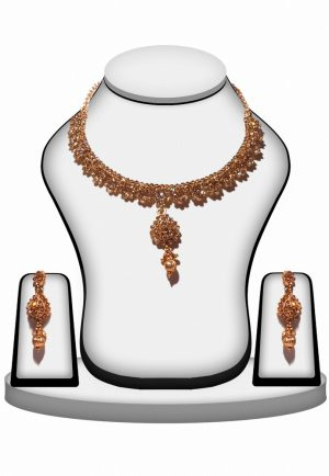 Exquisite Fashion Necklace Set With Earrings in Clear Stones-0