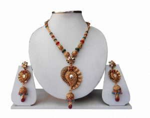 Beautiful Red and Green Fashion Pendant Set with Matching Earrings-0