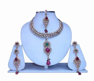Buy Online Fashionable Kundan Necklace Set with Earrings and Tika-0