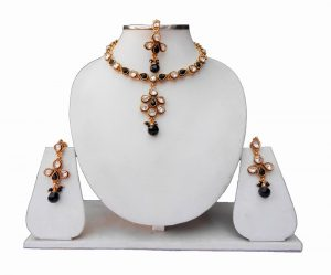 Traditional Indian Kundan Necklace Set with Earrings and Maang Tika-0
