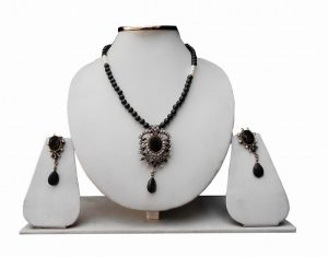 Stylist Black and White Beads Designer Pendant Sets With Lovely Earrings-0