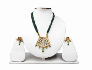 Black Beads Bridal Thewa Pendant and Earrings Set for Weddings-0