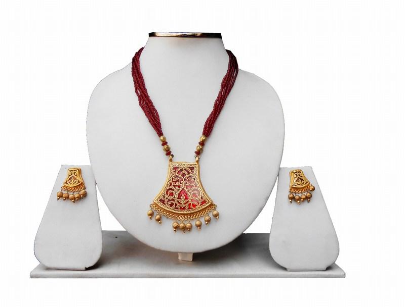 Buy Online Maroon Ethnic Thewa Pendant Set for Women-0
