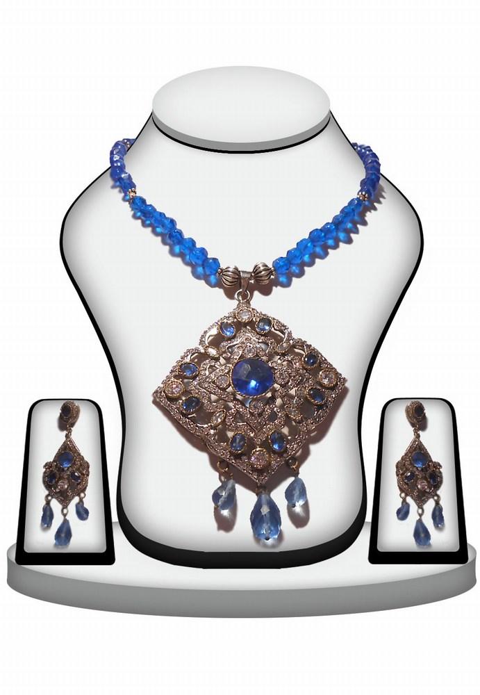 Designer Trendy Victorian Pendant Set for Girls in Blue Stones-0