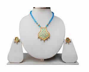 Fashion Turquoise Thewa Pendant Set with Designer Earrings-0