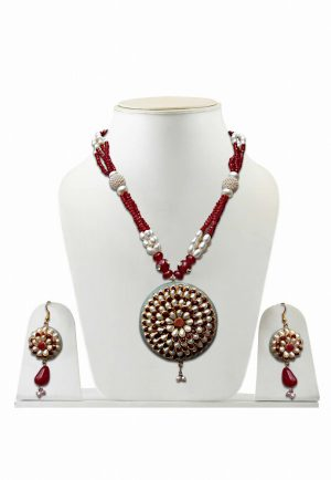 White and Red Traditional Pacchi Pendant Necklace Set with Earrings -0