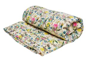 Stylish Decorative Cheap Quilts With Soothing Floral Design Pattern-0