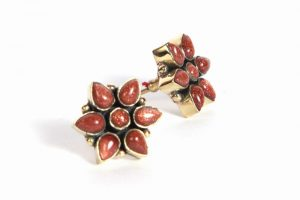 Elegant and Cute Stud Style Fashion Earrings from India in Red Sun Stone-0