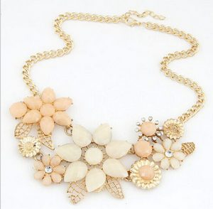 Shop Online Gorgeous Vintage Necklace with Peach and Off White Stones Color -0