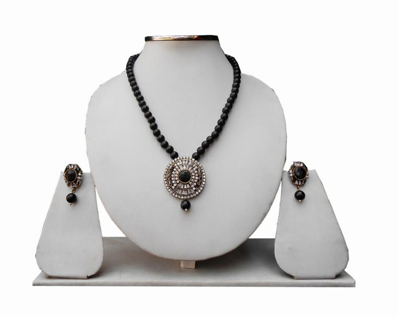Fancy Black Stone Pendant Set Available Online for Special Occasion-0