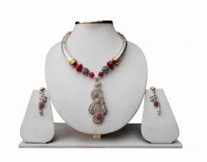 Classy Pipe Necklace with Victorian Pendant and Earrings in Red Beads from India-0