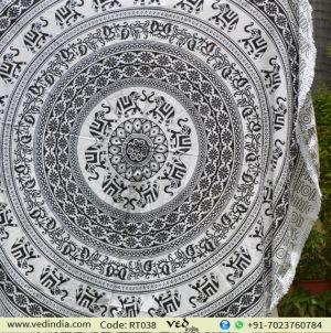 Black and White Elephant Round Tapestry