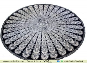Black and White Roundie Tapestry
