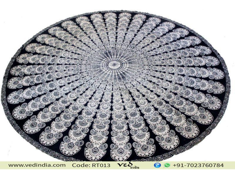 Black and White Roundie Tapestry
