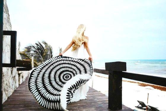 Tulum Printed Round Beach Towel Black and White-3963